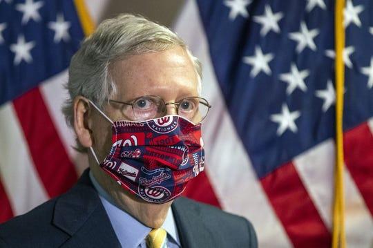 El líder de la mayoría en el Senado, el republicano Mitch McConnell, durante una conferencia de prensa tras una reunión del partido en el Capitolio.