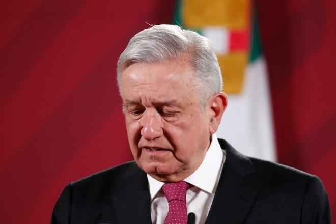 El presidente de México, Andrés Manuel López Obrador, durante su llegada a una rueda de prensa matutina en Palacio Nacional de Ciudad de México.