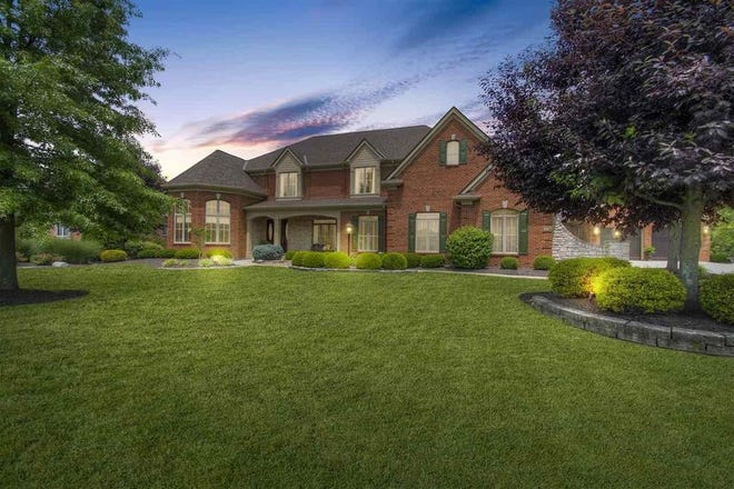 This secluded estate home in Villa Hills, Ky., recently hit the market for just under $2.4M
