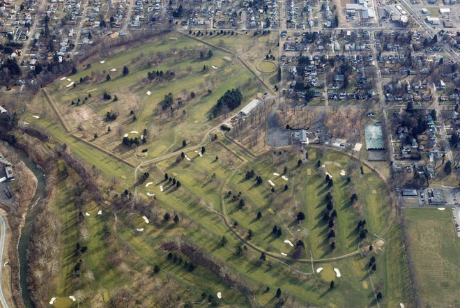 Aerial view of the Octagon Earthworks in Newark, on Feb. 11, 2008.  (Photo by Timothy E. Black)