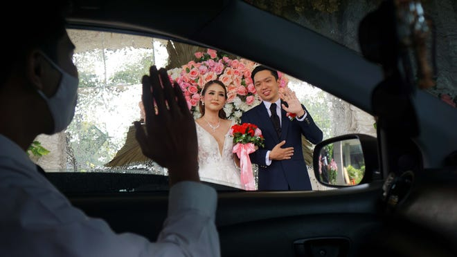 Coronavirus Weddings How Some Can Get Married Amid Restrictions