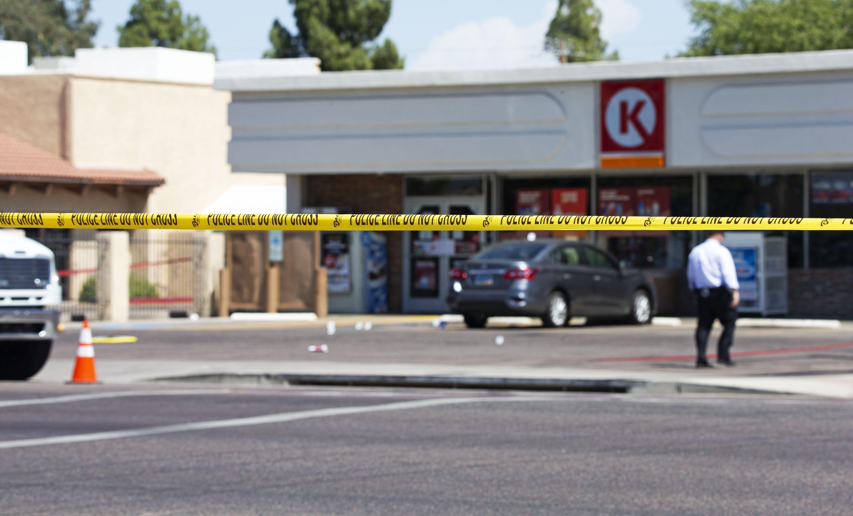Bystander kills armed robber at Scottsdale Circle K