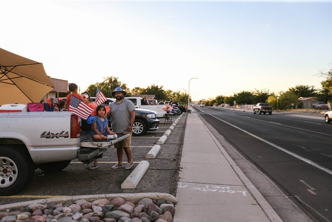 Las Cruces Sun News Christmas Lights 2020 Residents ban together to hold own Las Cruces Electric Light Parade