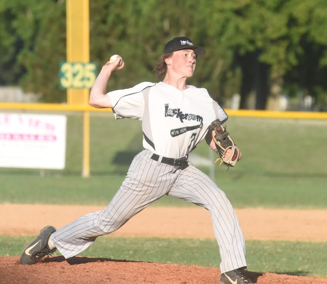 Lockeroom's Noah Everett delivers a pitch during a recent home game.