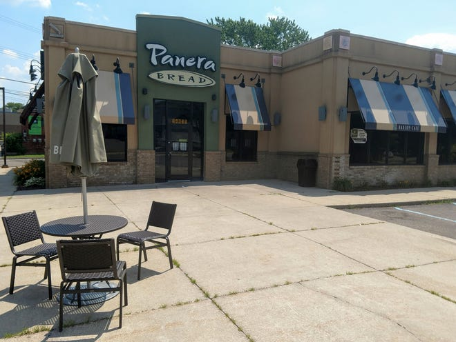 The Panera Bread on Grand River in Farmington has closed its doors.