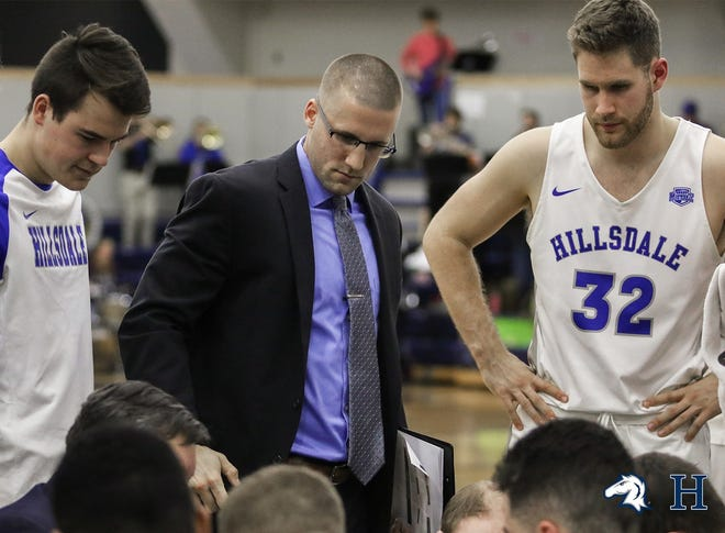 Former De Pere basketball star Brandon Pritzl will be part of Will Ryan's coaching staff at the University of Wisconsin-Green Bay.