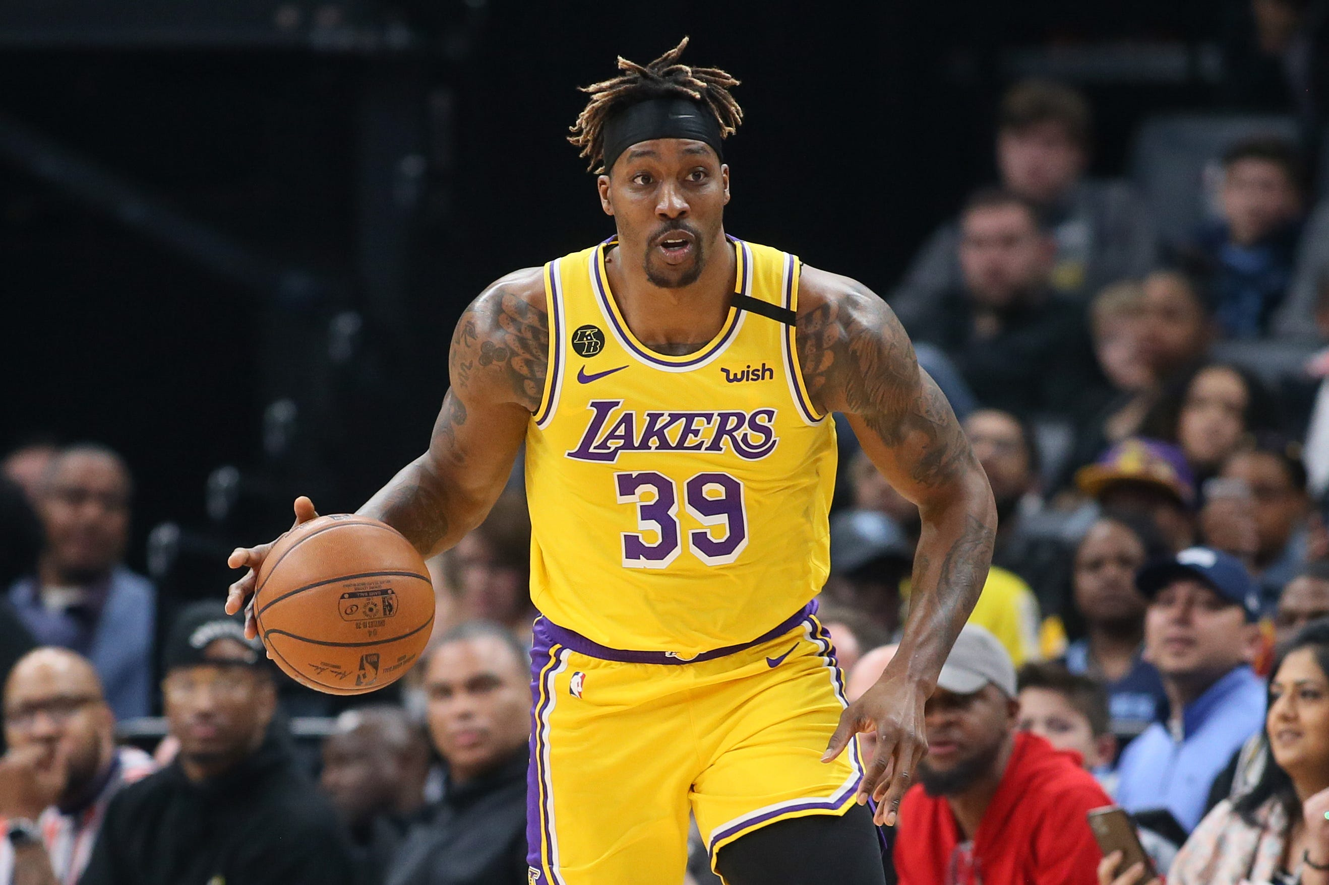 Lakers' Dwight Howard looks for joy during rough time