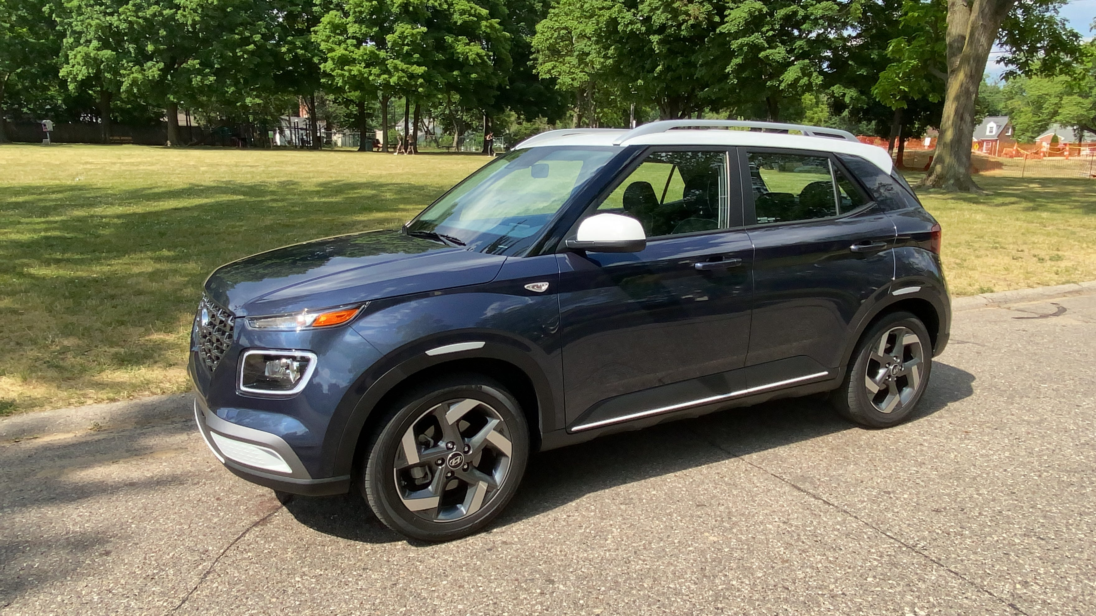 2020 Hyundai Venue Suv Packs Features Value Into Small Package