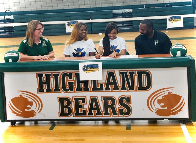 Highland Baptist's Jasey Roy signs with Frank Phillips to continue her volleyball career. Pictured (from left to right) are Highland's volleyball coach Brigette Boudreaux, Janice Roy, Jasey Roy and principal Tim Sensley.
