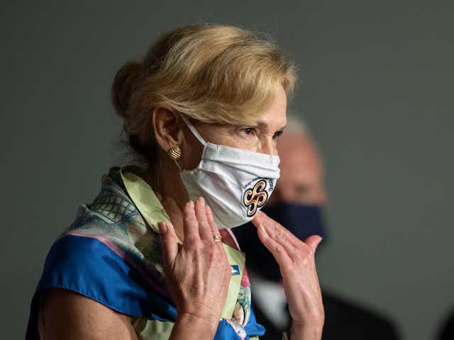 Coronavirus Task Force Member Shows Off Mask From Arizona S Salt River Tribe