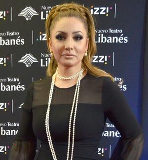 Paty respeta a Carmen Salinas y no se enreda con ella en dimes y diretes.