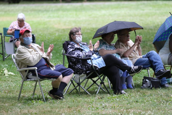 The crowd braved a light rain and observed social distancing as the Cottonwood Jam String Band performed the first Verandah Concert of the season Wednesday evening at the Hayes Presidential Library and Museums.