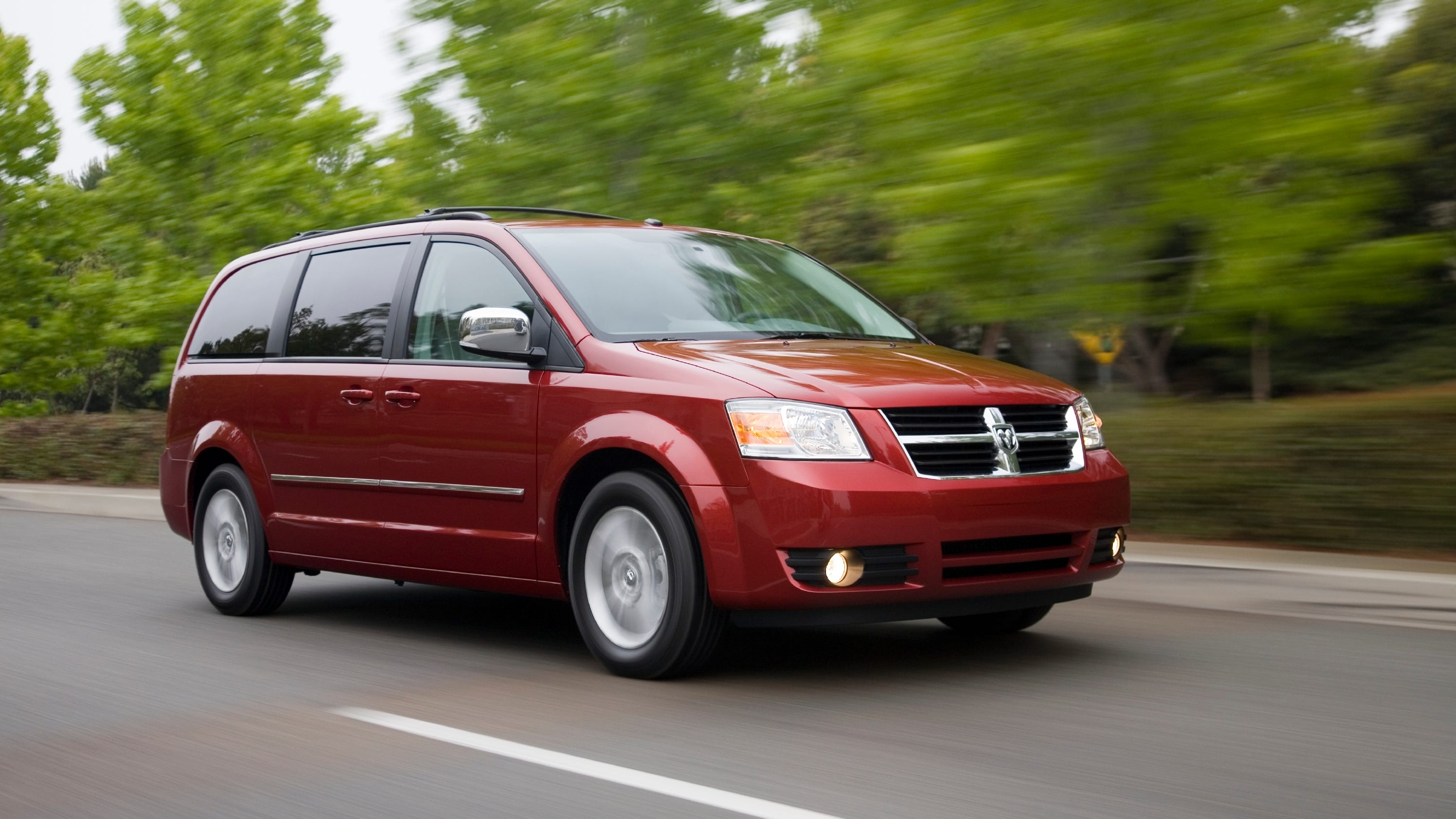Fca Recalls 1 2m Dodge Chrysler Vehicles Pieces Can Be Projectiles