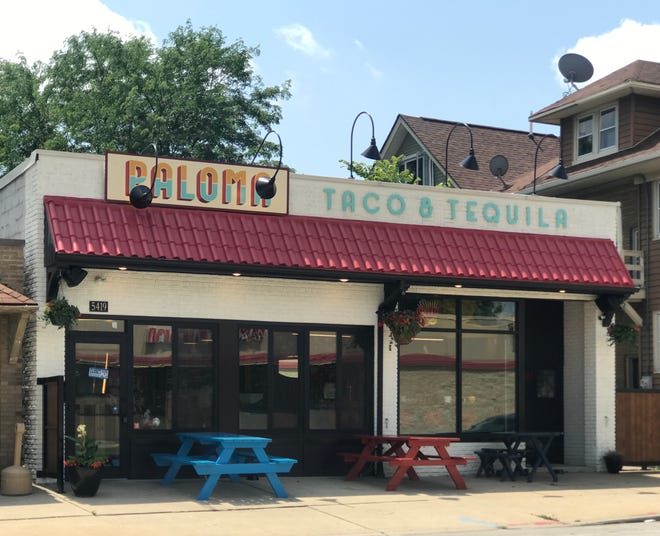 Paloma Taco & Tequila, 5419 W. North Ave. in the Washington Heights neighborhood, has opened. Besides sidewalk dining at picnic tables, the restaurant has tie-ups for dogs outside.