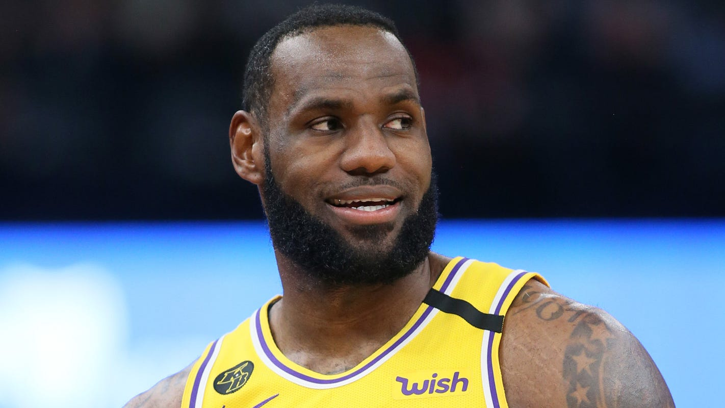 Lakers' LeBron James explains why he won't wear message on jersey during NBA restart