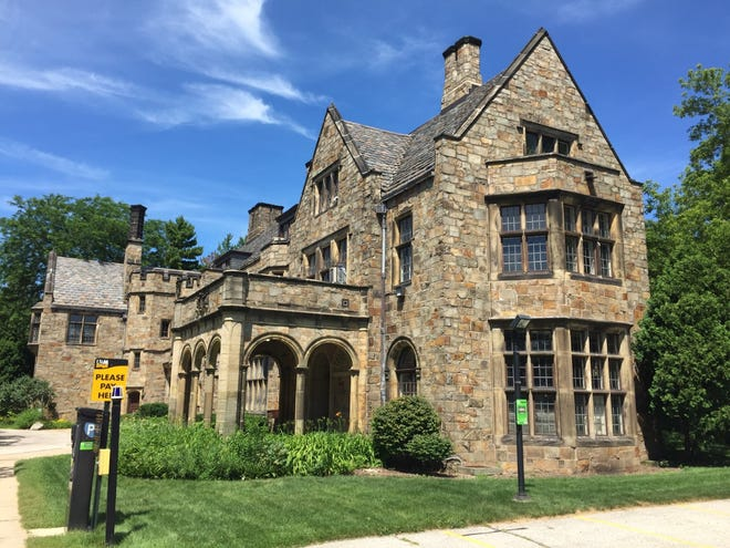 University of Wisconsin-Milwaukee's Alumni House could be sold to a private developer.
