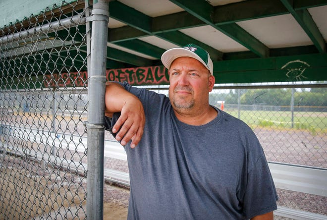Des Moines North softball coach Dominic Ellis had small goals he wanted his team to accomplish this season.