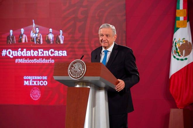 Fotografía cedida este martes por la presidencia de México, del presidente de México, Andrés Manuel López Obrador, durante una rueda de prensa en Palacio Nacional de Ciudad de México.