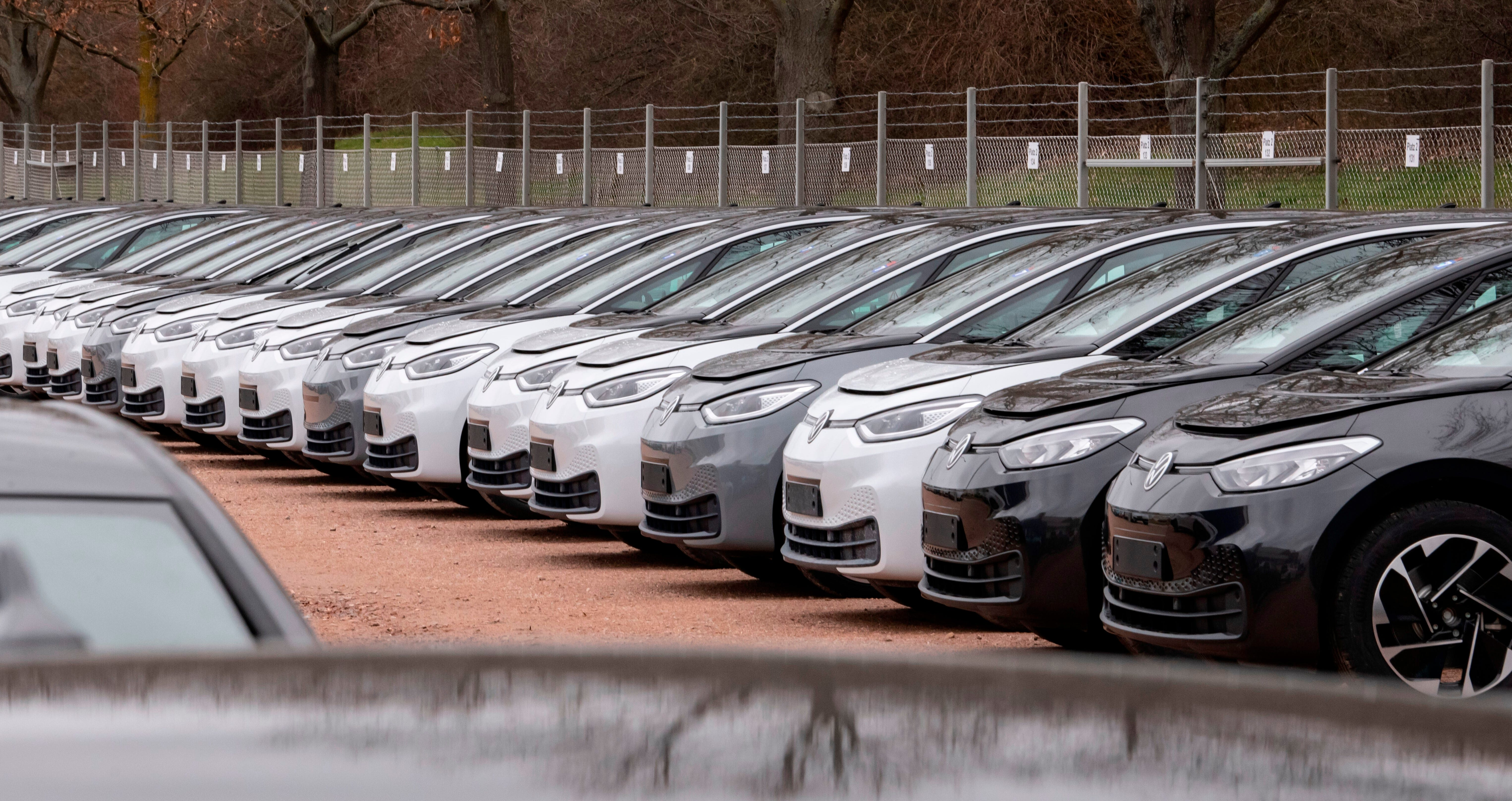 Europes shift to electric cars picks up despite...