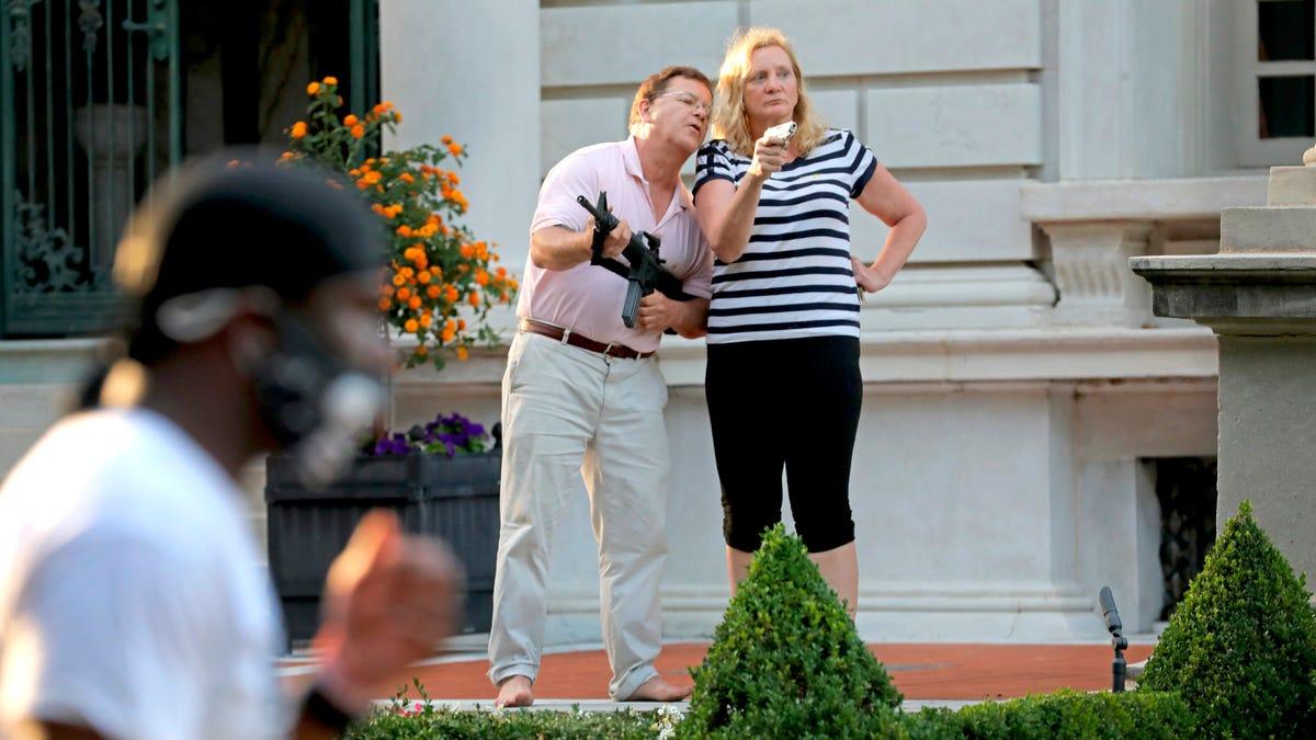 Missouri governor pardons gun-waving St. Louis lawyer couple 3