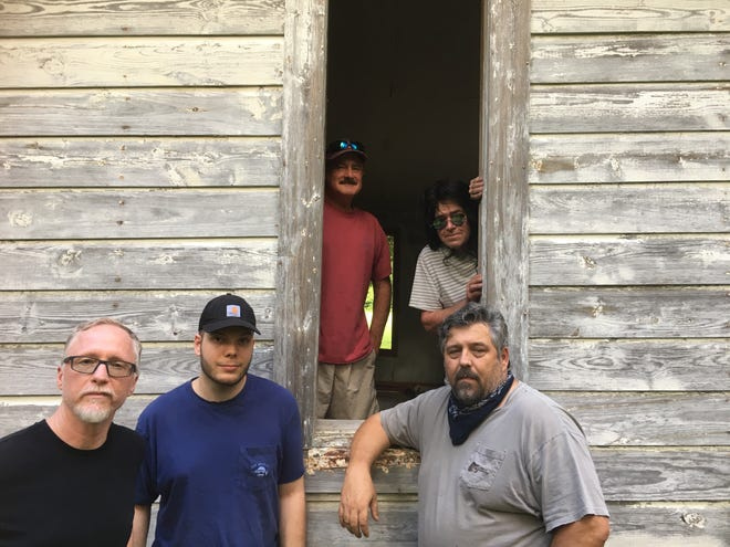 The Troy Farnam Band will perform at Mountain Home's Hickory Park on Friday night.