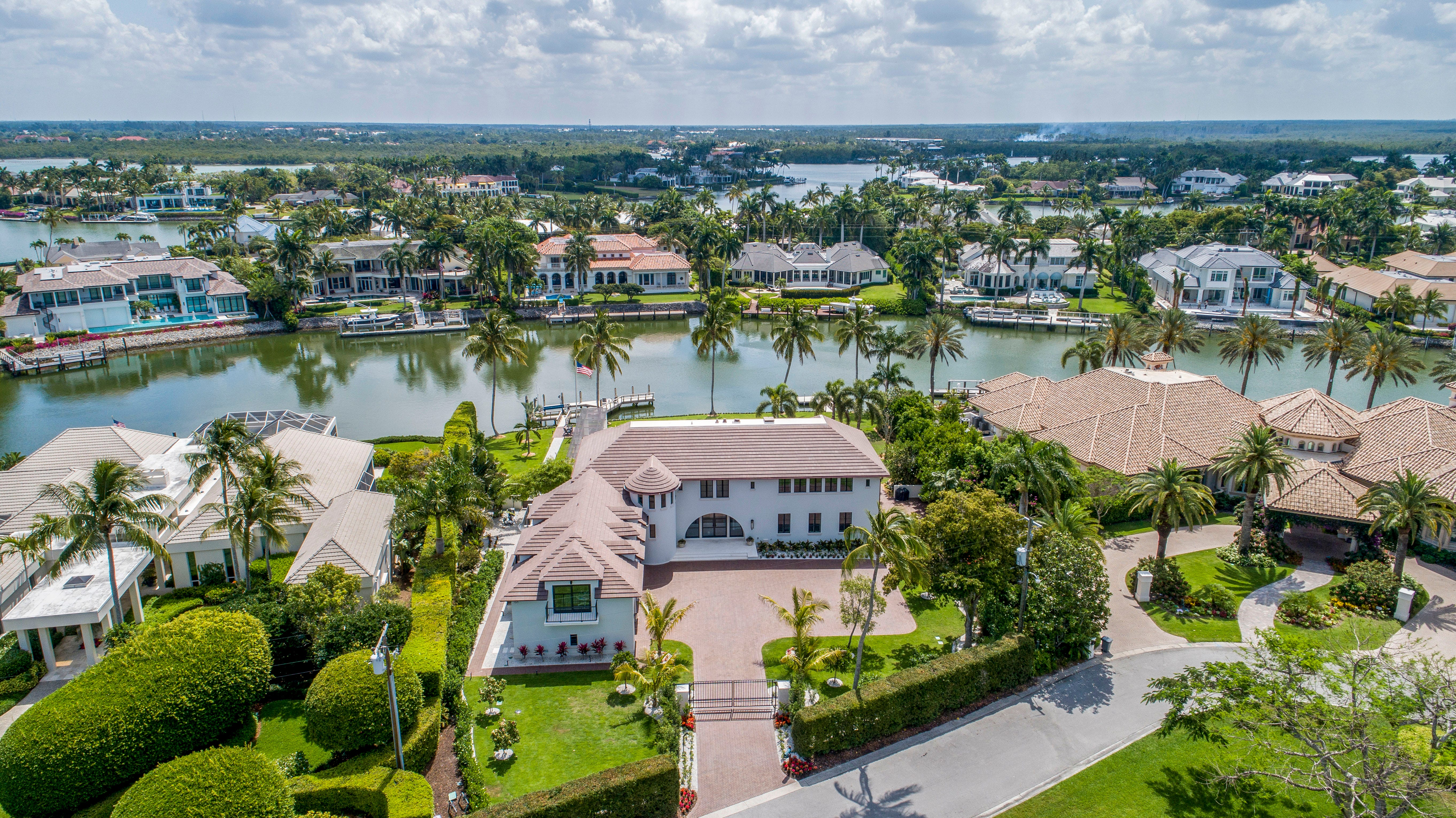 In the Know: Daily closed sales of $5 millionhomes in Naples is 'not a housing boom' 2