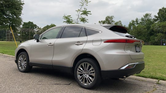 The 2021 Toyota Venza's styling is reminiscent of a Lexus