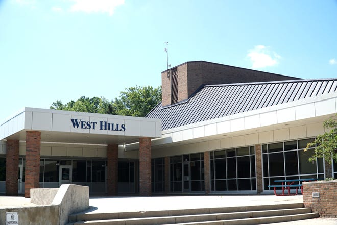 Bloomfield Hills' West Hills Middle School on Lone Pine.