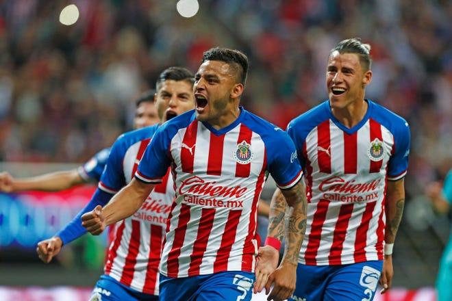 Un partido de muchos goles protagonizaron Chivas y America.