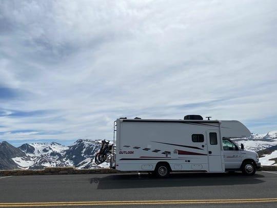 Brittny Burford de California alquiló este Winnebago para una travesía de tres semanas por los Estados Unidos este verano. Aquí está estacionada en el Parque Nacional Rocky Mountain.