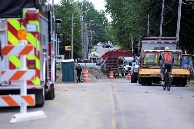 Firefighters responded to a gas leak on East Charles Street in Galion on Tuesday afternoon.