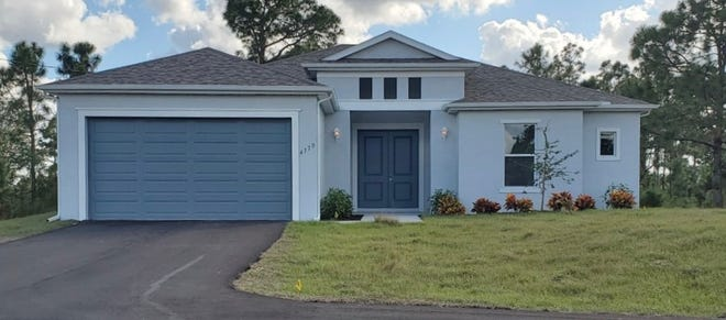 This previously completed Mariposa by FL Star illustrates the design of the home to be built at Arrowhead Reserve.