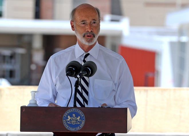 Governor Tom Wolf visits WellSpan York Hospital to thank health care workers and hospital staff for their essential role in protecting Pennsylvanians during the COVID-19 pandemic, Tuesday, July 22, 2020John A. Pavoncello photo