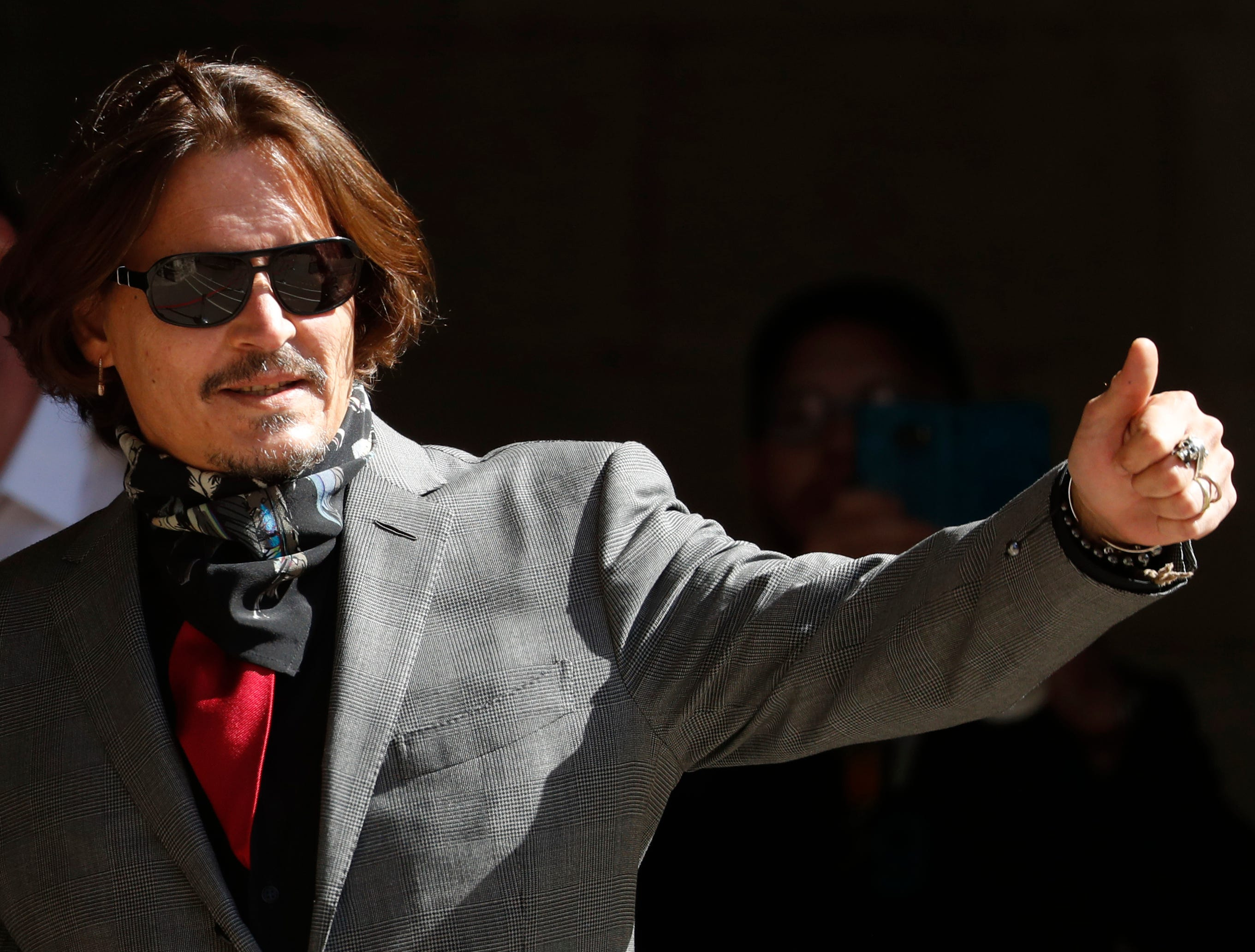 Johnny Depp sends holiday Instagram message wishing for  a better time ahead  after  hard  2020