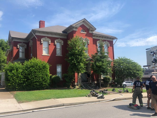 A downtown Clarksville apartment building located at 305 Main Street, caught fire Wednesday morning that displaced residents. July 22, 2020.