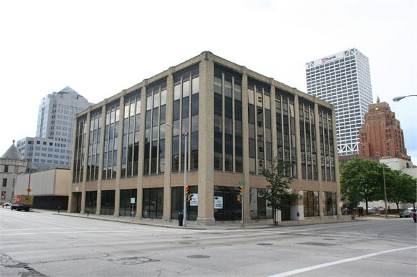 Downtown Milwaukee's historic Adams Building is being converted into a boutique hotel.