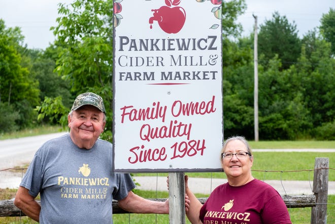 Sharon and Stan Pankiewicz, who own Pankiewicz Cider Mill & Farm Market