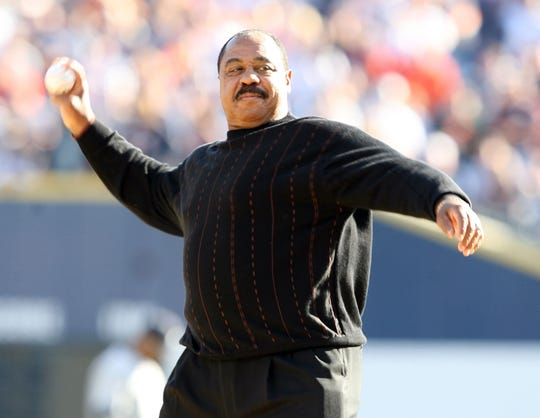Former Detroit great Willie Horton in 2006 with the first pitch prior to the start of game 4 of the ALDS playoffs between the Tigers and Yankees.