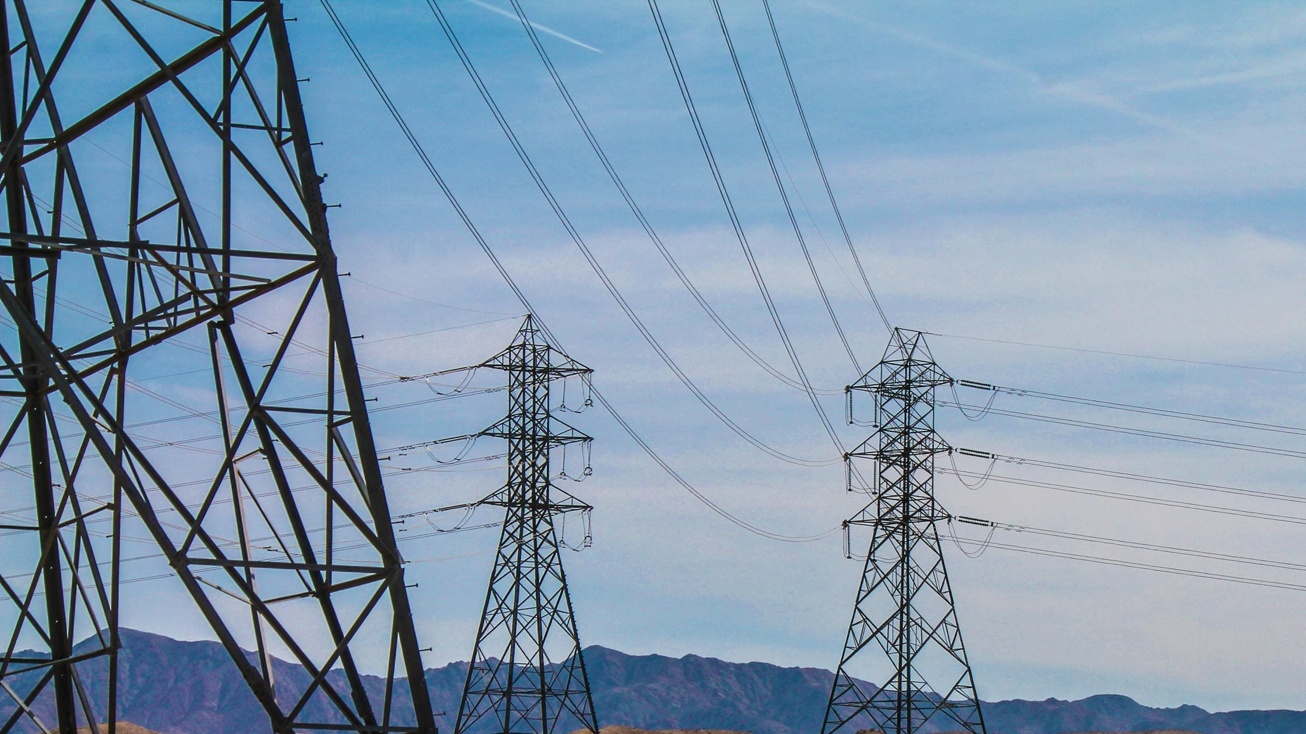 PSE&G will be replacing 90-year-old transmission towers with monopoles