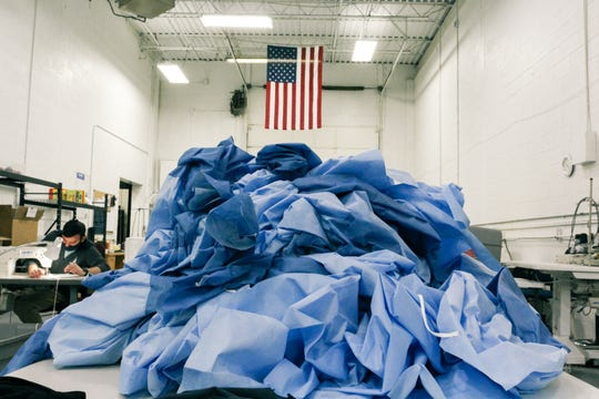 T-shirt company Gettees has doubled its sewing staff to make surgical gowns.