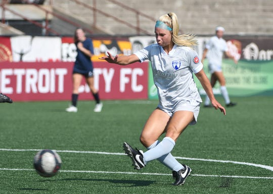 """Midwest United's Stephanie """"Stitch"""" Currie scored the go-ahead goal in a 3-1 victory over Detroit City FC women Sunday in the championship game of the United Women's Soccer Keyworth Showcase in Hamtramck."""