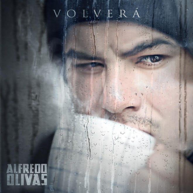 """Alfredo Olivas disfruta del éxito de su nuevo tema """"Volverá"""", que refleja la paz con la que ahora vive."""