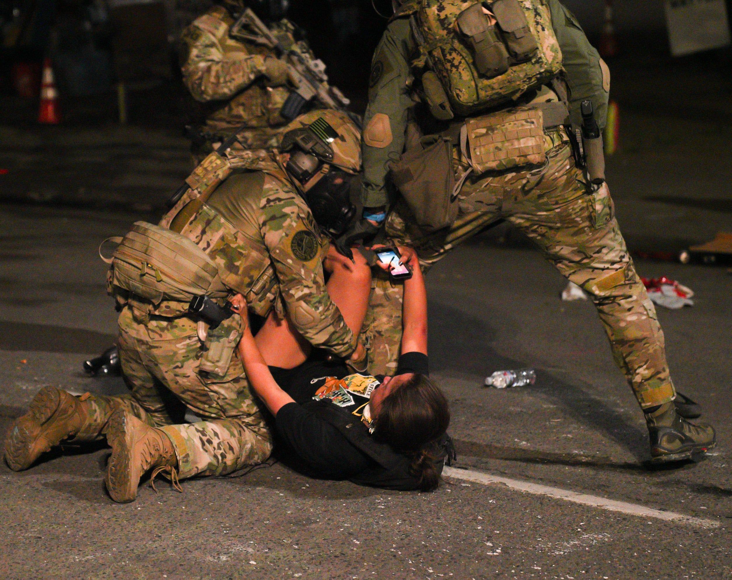 federal troops in US streets