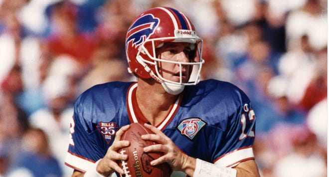 Jim Kelly enjoyed the only regular-season 400-yard passing game of his career in the 34-31 victory over the 49ers in 1992.