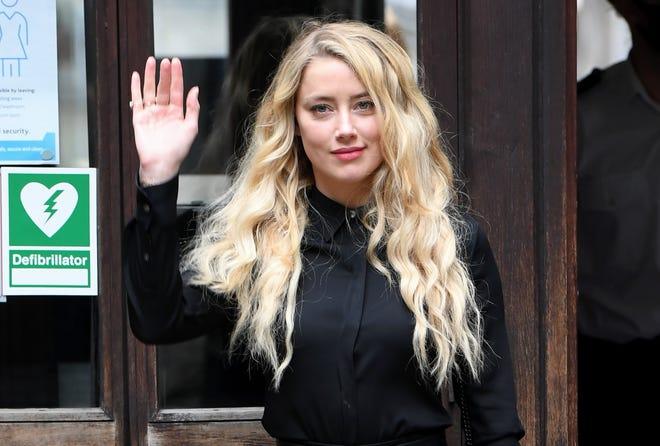 Amber Heard llega a las Cortes Reales de Justicia, The Strand el 28 de julio de 2020 en Londres, Inglaterra.