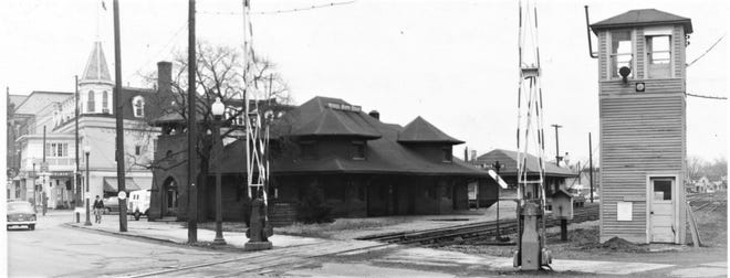 The old train depot in Fremont was located on State Street.