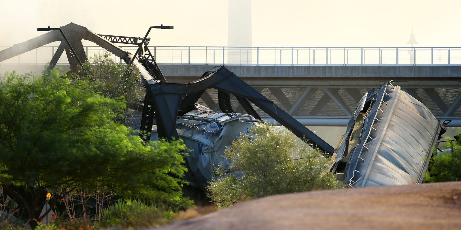 Train Derails Over Tempe Town Lake Arizona Bridge Partly Collapses