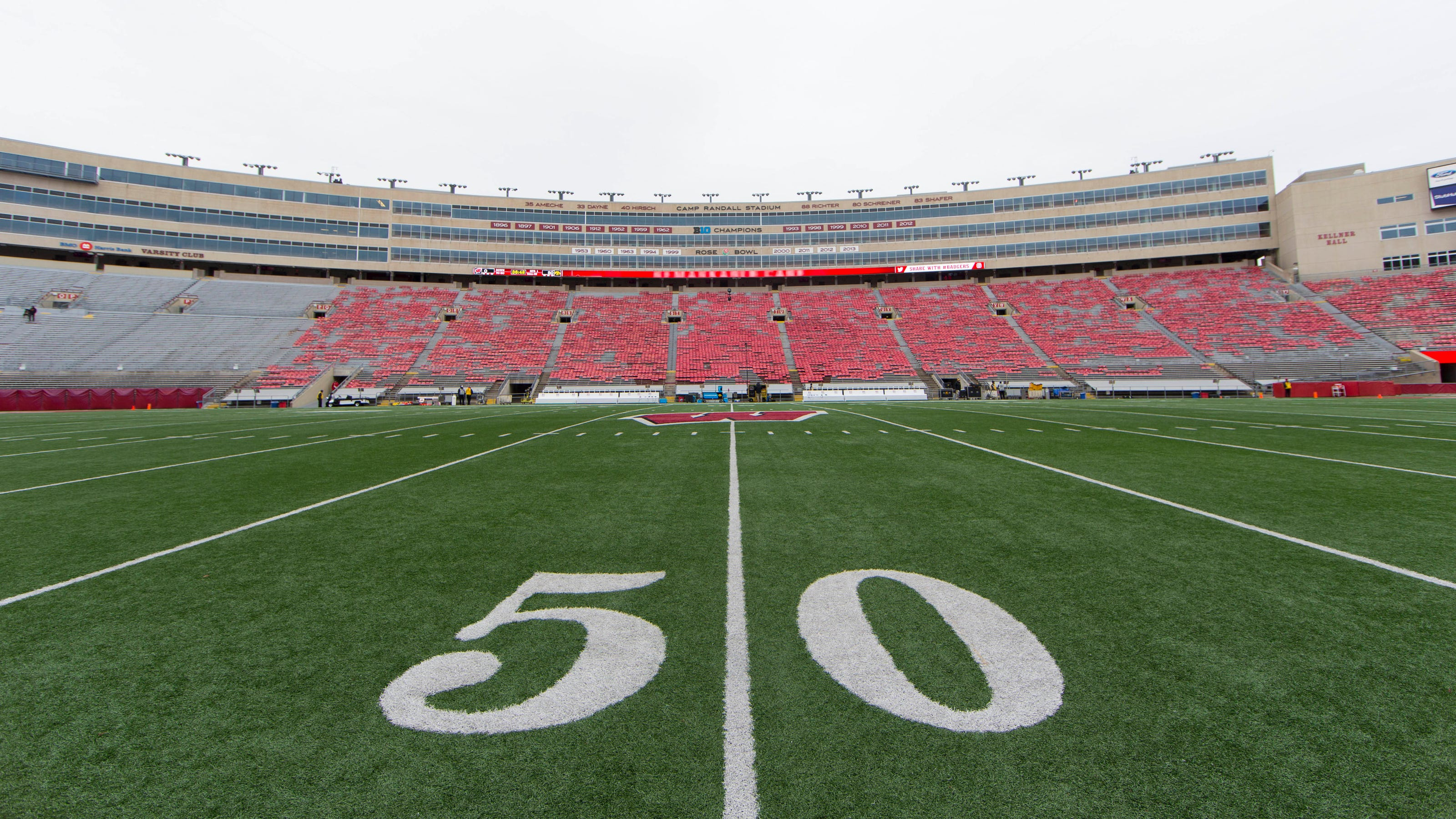 Big Ten members confident presidents, chancellors will approve plan to play football in 2020