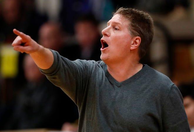 Jon Murphy is returning to coaching, replacing Lucky Wurtz at Kimberly High School.