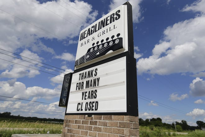 Headliners Bar & Grill has closed in Clayton, just west of Neenah.